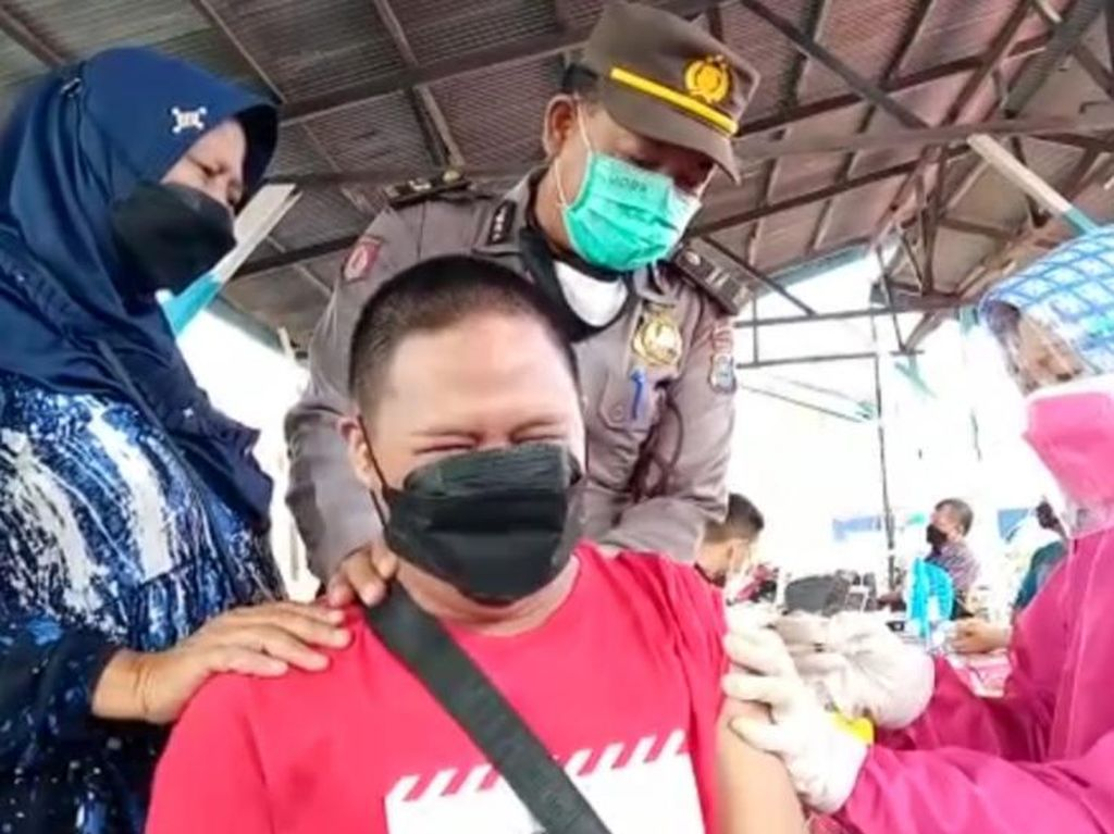 Live Pantauan Data Polri: Vaksinasi Hari Ini Tembus 1,2 Juta