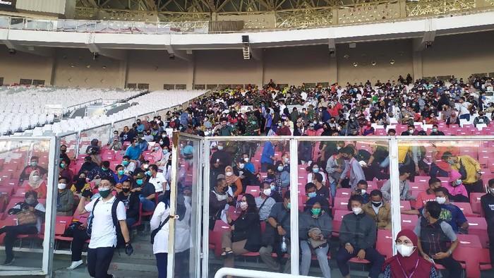 ジャカルタの KTP保持居住者が集団予防接種のため、ゲロラ・ブン・カルノ・スタジアムに! COVID-19   ワクチン   新型コロナ