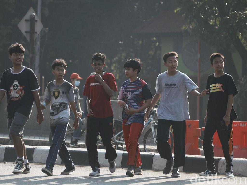Duh, Anak-anak di Bekasi Ini Santuy Banget Nggak Pake Masker!