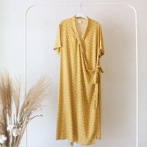 Kimono menjadi salah satu model homedress kekinian yang bisa kamu pilih.