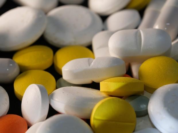 mengonsumsi suplemen vitamin C dosis tinggi berisiko terjadinya pembentukan batu ginjal