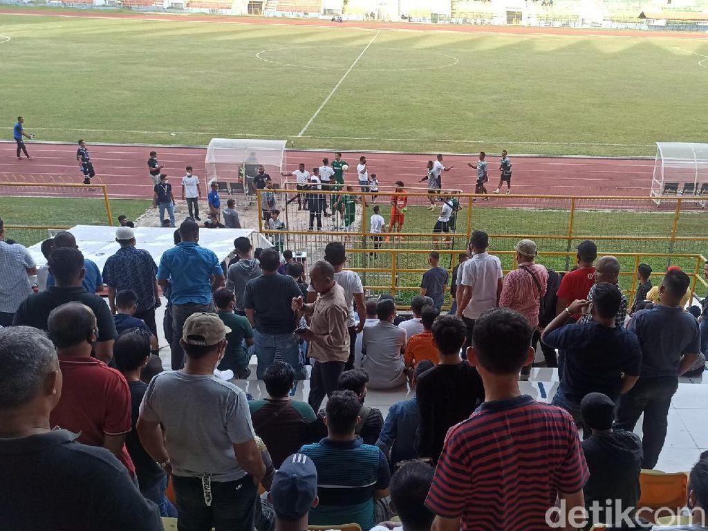 Penonton Membludak, Persiraja Banda Aceh Vs PSMS Medan Dihentikan