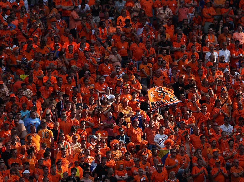 Euro 2020: Suporter Belanda Kena Razia Bendera LGBT di Hungaria