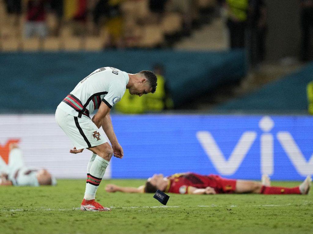 Portugal Keok, Ronaldo Tendang Botol dan Banting-banting Ban Kapten