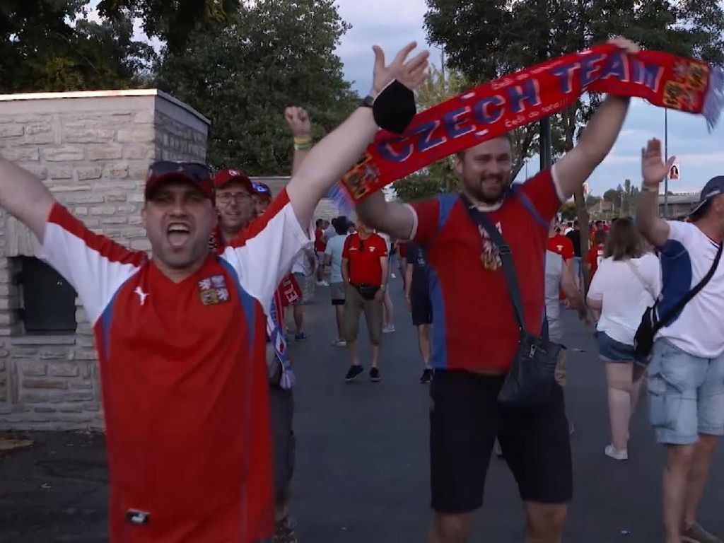 Fans Ceko Bersukacita Timnasnya Lolos ke Perempatfinal Euro 2020