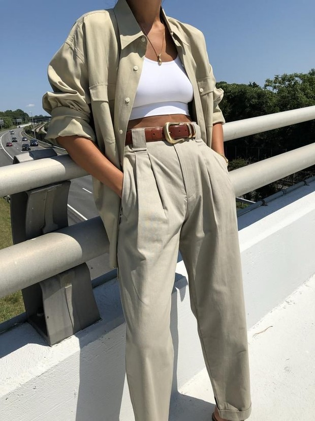 Foto: Blouse dan linen pants/pintereset.com/Na Nin