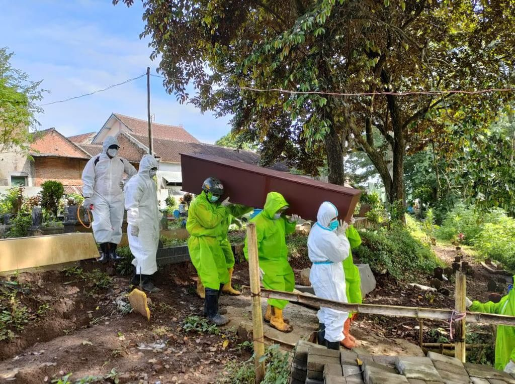 Hari Ini Ada 18 Pasien COVID-19 yang Meninggal di Kota Malang