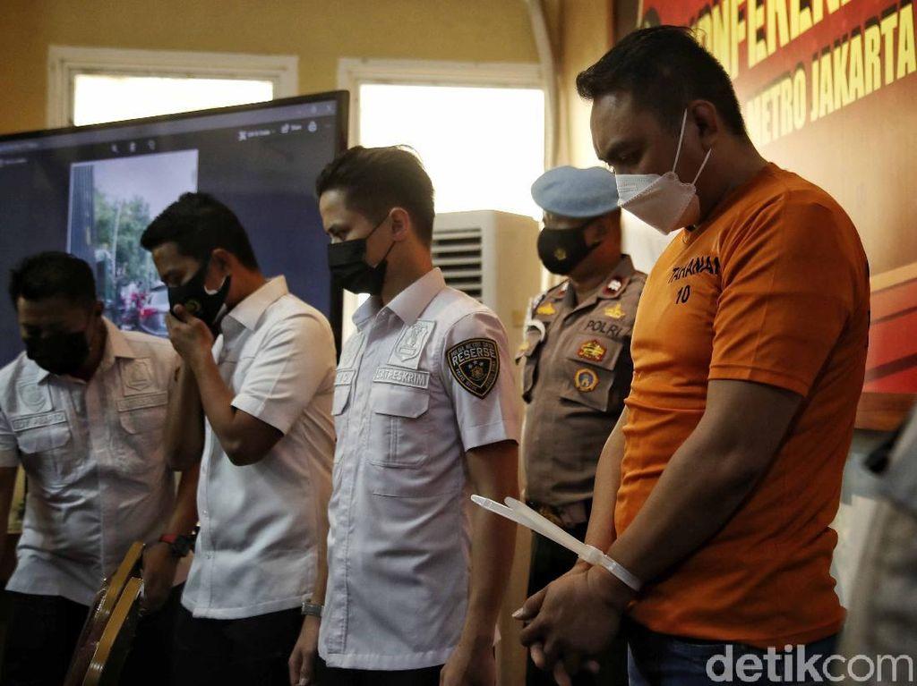 Polisi Temukan Senpi Pengemudi Pajero Penganiaya Sopir Truk di Jakut
