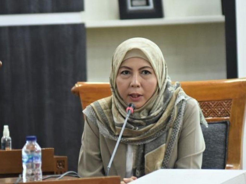 Politisi Gerindra Himmatul Aliyah Salurkan Sembako ke WNI di Malaysia