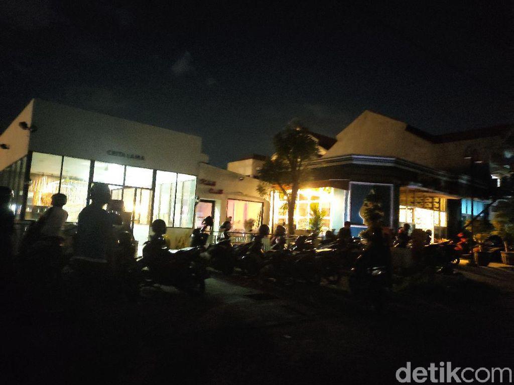 Banyak Kafe dan Warung di Sidoarjo yang Cuek dengan Aturan PPKM Mikro