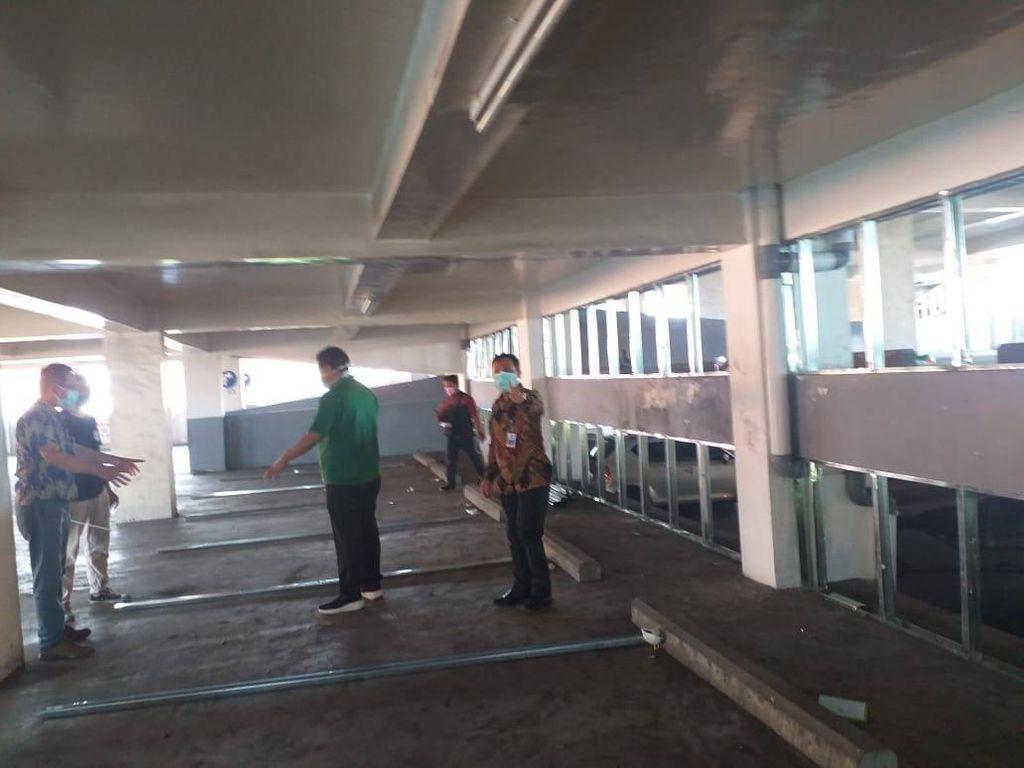 COVID-19 Melonjak, RSU Soetomo Sulap Tempat Parkir Jadi Ruang Perawatan