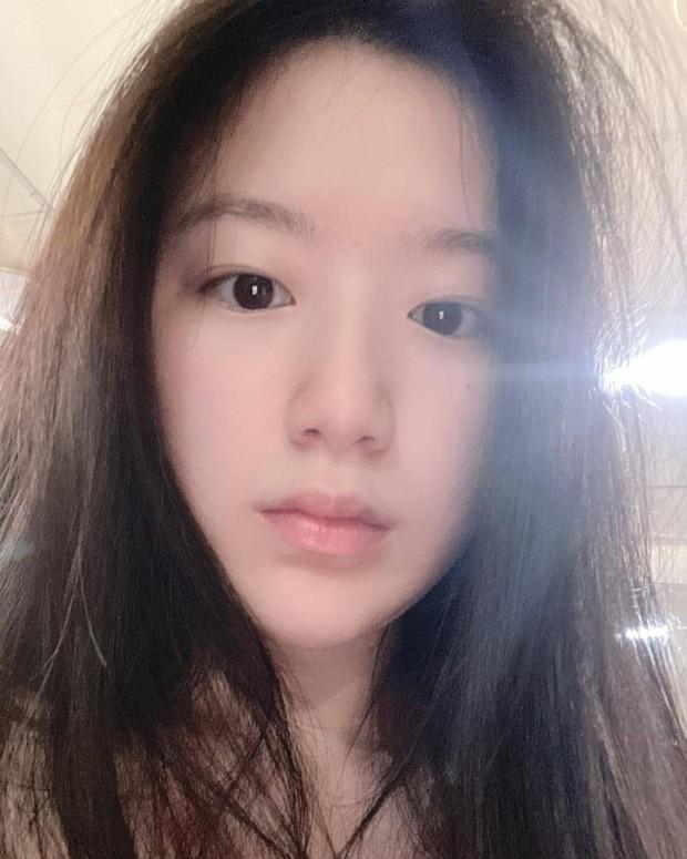 Shuhua (G)I-DLE tampilkan wajah imut dan polos saat bare face.