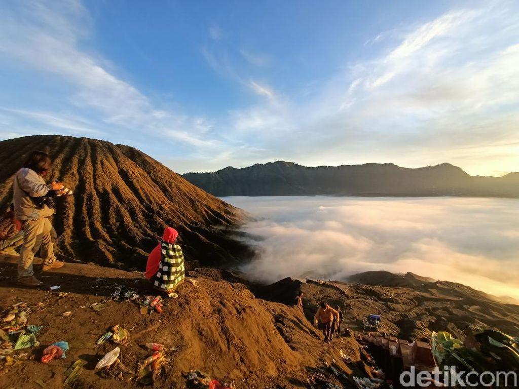Gunung Bromo dan Semeru Ditutup Selama PPKM Darurat, Ini Link Reschedule-nya