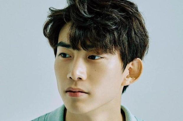 Artis korea ganteng yang meninggalkan agensi lama