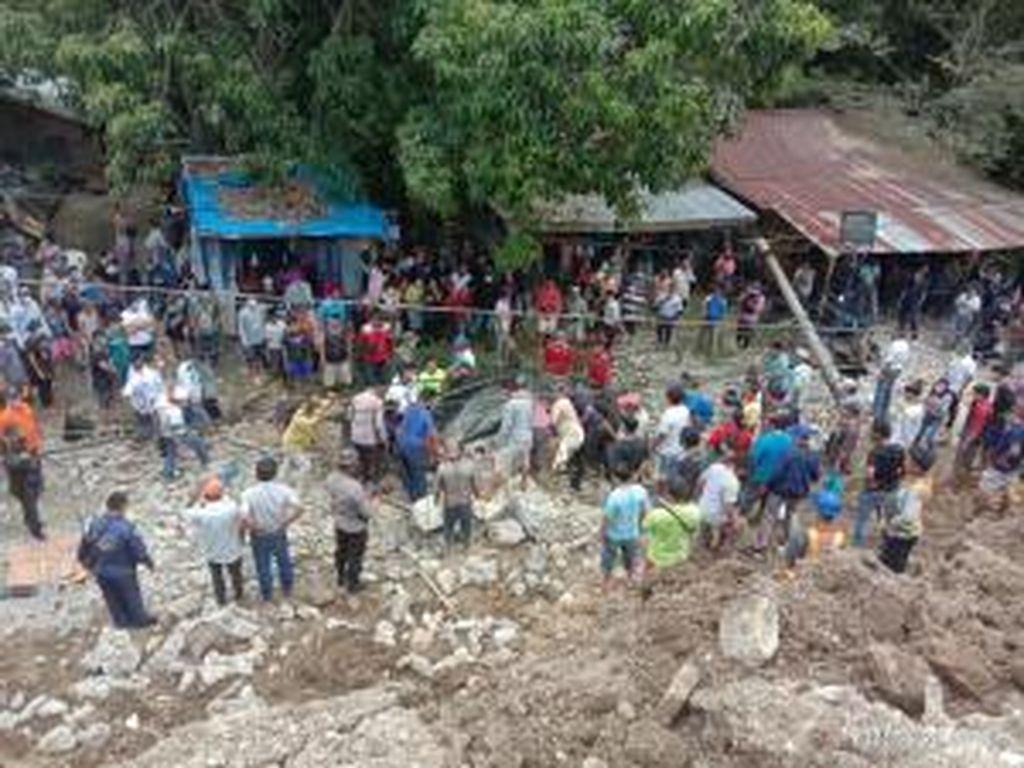 Tembok Penahan PPU Katolik di Simalungun Sumut Roboh, 3 Orang Tewas