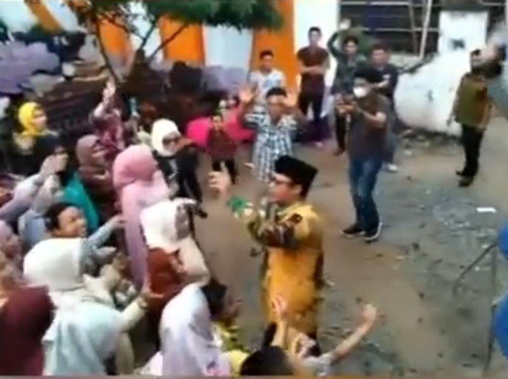 Wabup Lampung Tengah Dipolisikan Gegara Joget Tanpa Prokes di Hajatan