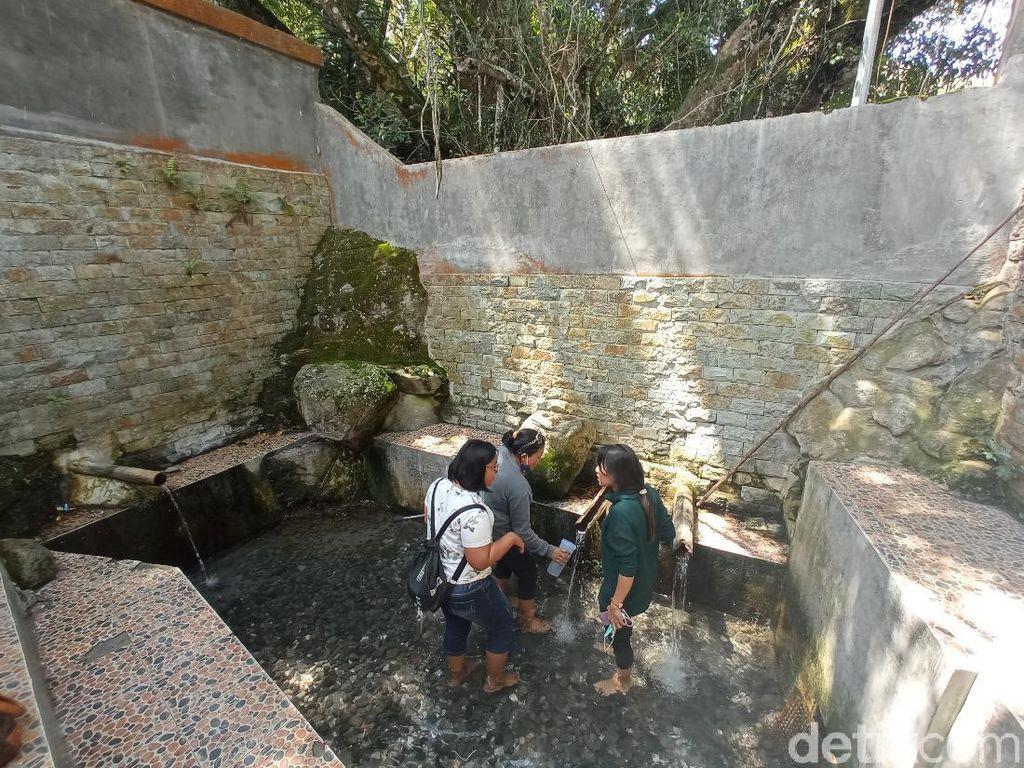 Foto: Aek Sipitu Dai, Pemandian Sakral Pengabul Permintaan