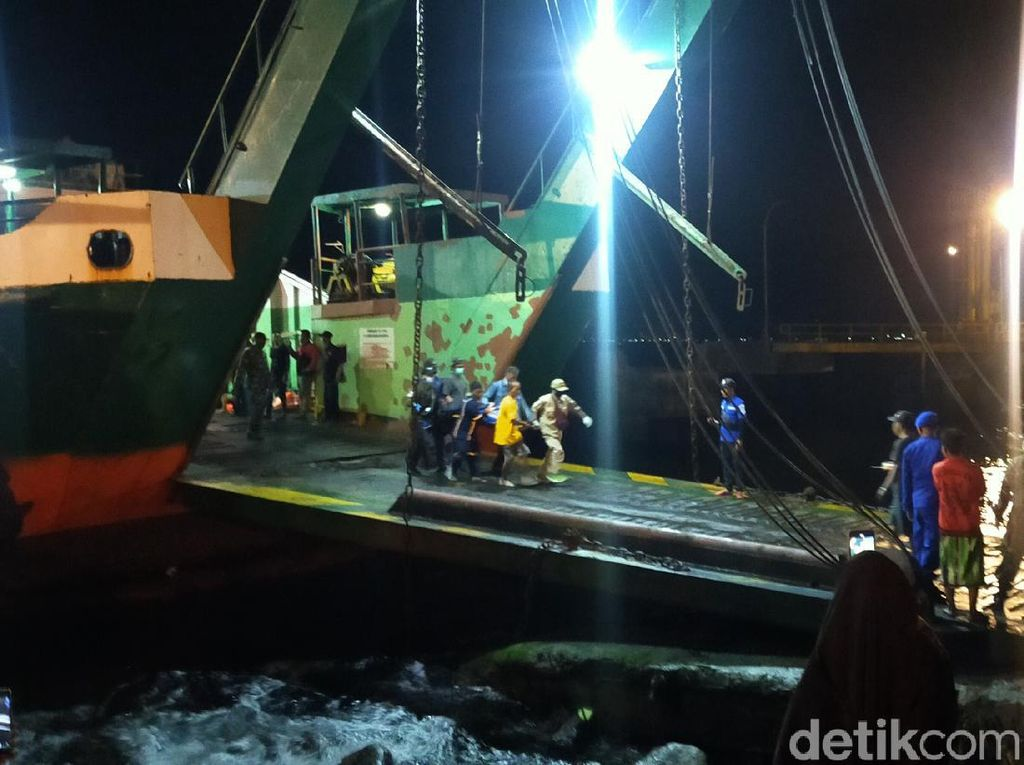 KMP Yunicee Tenggelam, 14 Orang Masih Dinyatakan Hilang