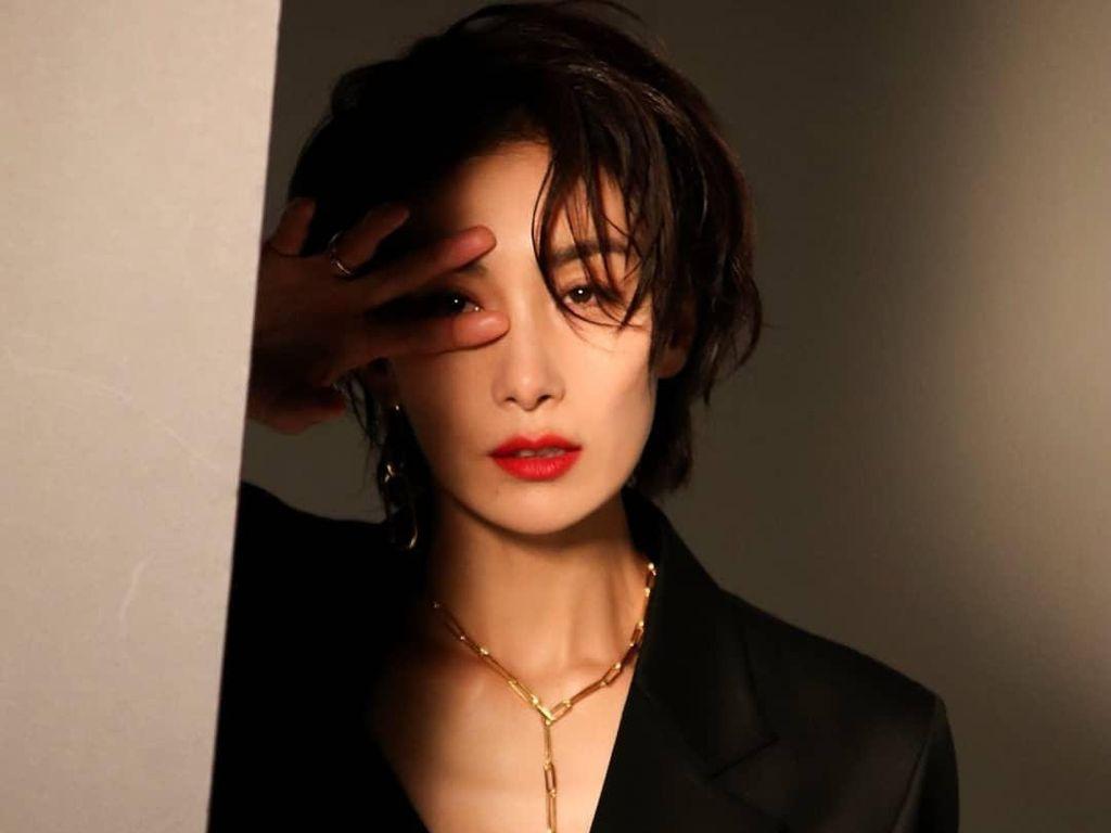 7 Potret Kim Seo Hyung, Pemeran Lesbian di Drama Korea Mine