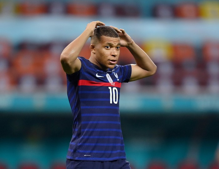 BUCHAREST, ROMANIA - JUNE 28: Kylian Mbappe of France looks dejected after having their sides decisive penalty saved by Yann Sommer of Switzerland (not pictured) in the penalty shoot out after the UEFA Euro 2020 Championship Round of 16 match between France and Switzerland at National Arena on June 28, 2021 in Bucharest, Romania. (Photo by Justin Setterfield/Getty Images)