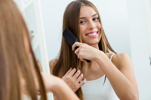 Merapihkan rambut lebih dahulu/freepik.com
