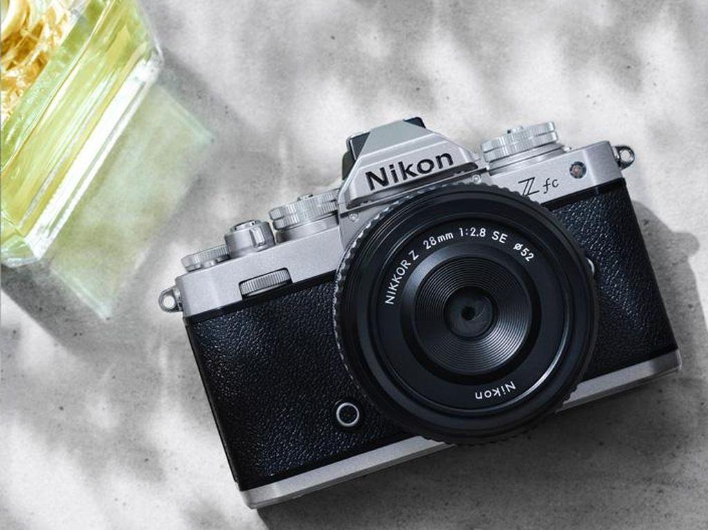 Menjajal Nikon Z Fc, Mirrorless Berdesain Retro