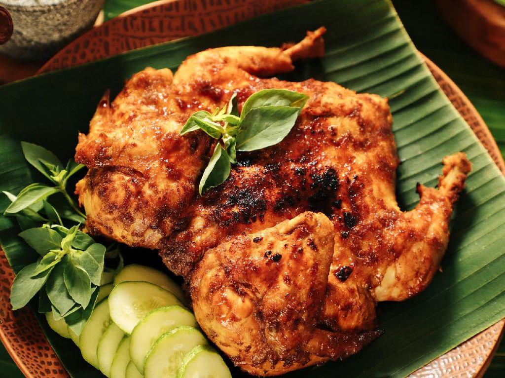 Resep Ayam Bekakak Sunda yang Sedap Meresap Bumbunya