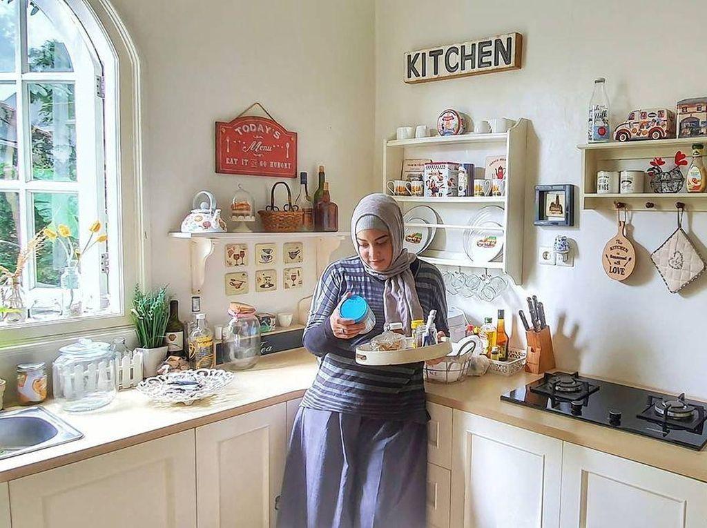 Mengenang Sosok Jane Shalimar, Seorang Foodies yang Pandai Memasak