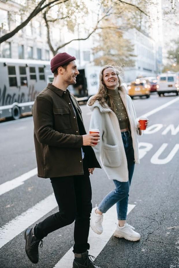 Contoh pasangan yang berkencan