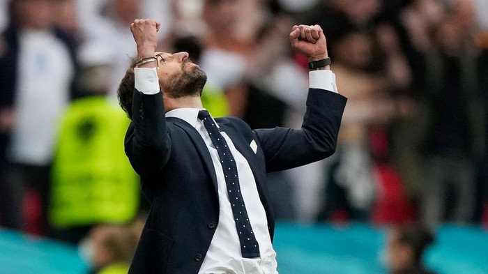 LONDON, ENGLAND - JUNE 29: Gareth Southgate, Head Coach of England celebrates after victory in the UEFA Euro 2020 Championship Round of 16 match between England and Germany at Wembley Stadium on June 29, 2021 in London, England. (Photo by Frank Augstein - Pool/Getty Images)