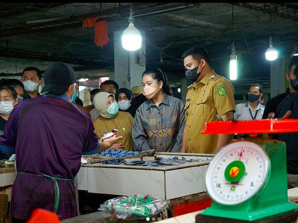 Kahiyang Ayu Jadi Istri Walikota Medan Belanja di Pasar, Gayanya Bikin Salfok