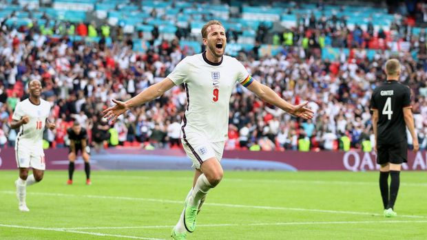 LONDON, ENGLAND - JUNE 29: Harry Kane of England celebrates after scoring their side's second goal during the UEFA Euro 2020 Championship Round of 16 match between England and Germany at Wembley Stadium on June 29, 2021 in London, England. (Photo by Catherine Ivill/Getty Images)
