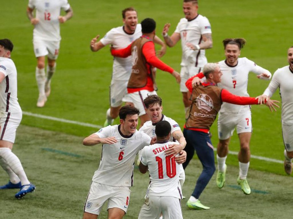 Mourinho Ingatkan Inggris: Football Not Yet Coming Home