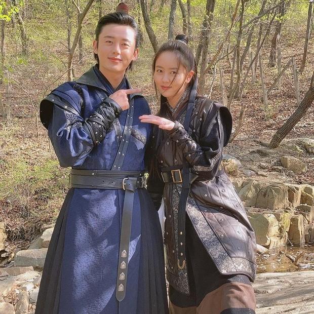 Lee Ji Hoon saat syuting River Where the Moon Rises (foto: instagram.com/88leejihoon)