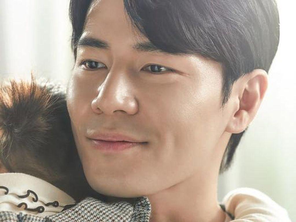 4 Fakta Lee Kyu Hyung, Aksinya Jadi Cameo di Hospital Playlist 2 Dinanti