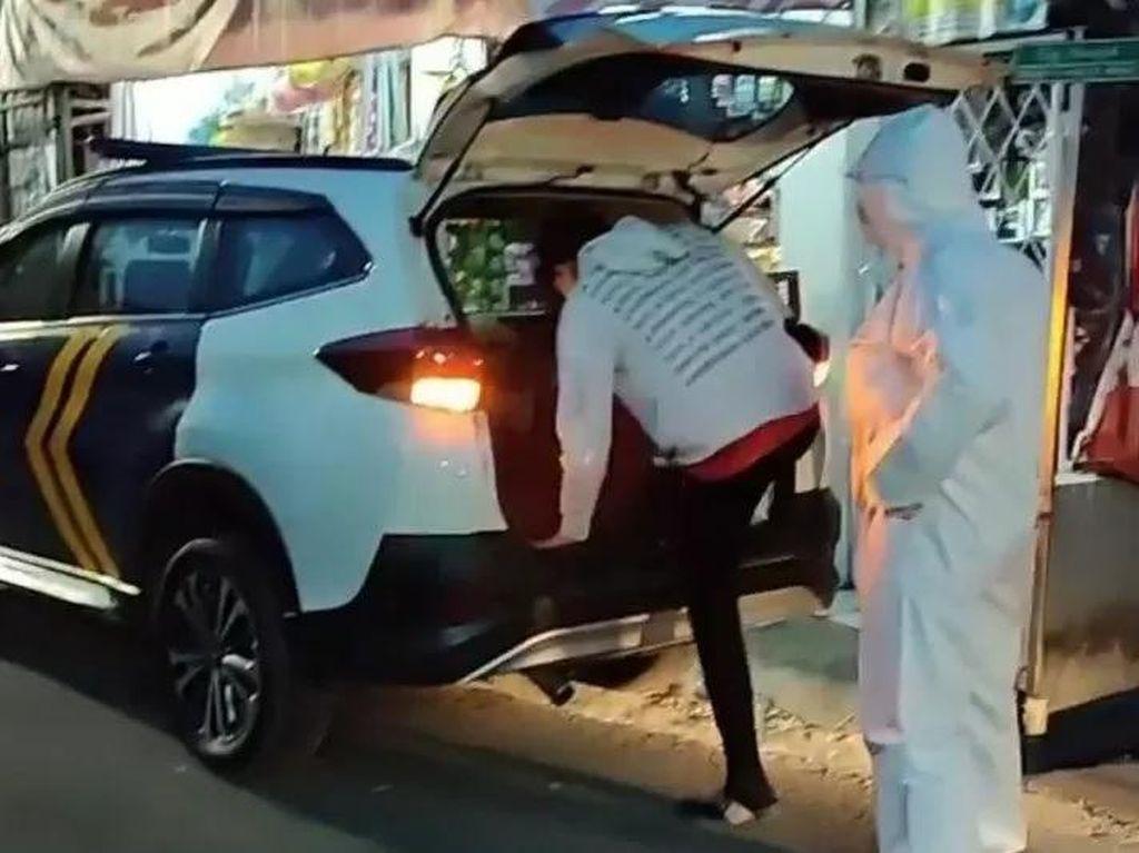 Kasus Melonjak, Mobil Dishub DKI Bantu Angkut Jenazah-Pasien Corona
