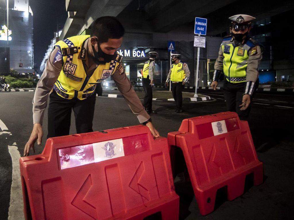 Pengendara Terobos Penyekatan di Margonda, Polisi: Banyak Belum Tahu PPKM