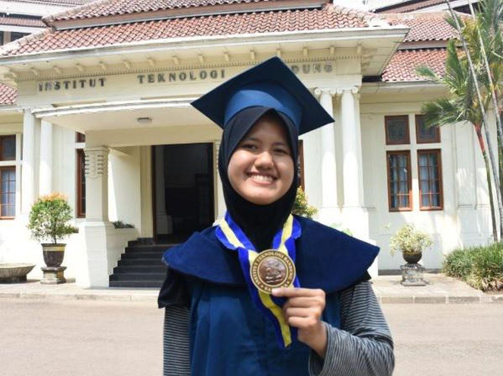 Kisah Alumni ITB Haniya Azzahra: Dapat Beasiswa dan Mengulang Kuliah