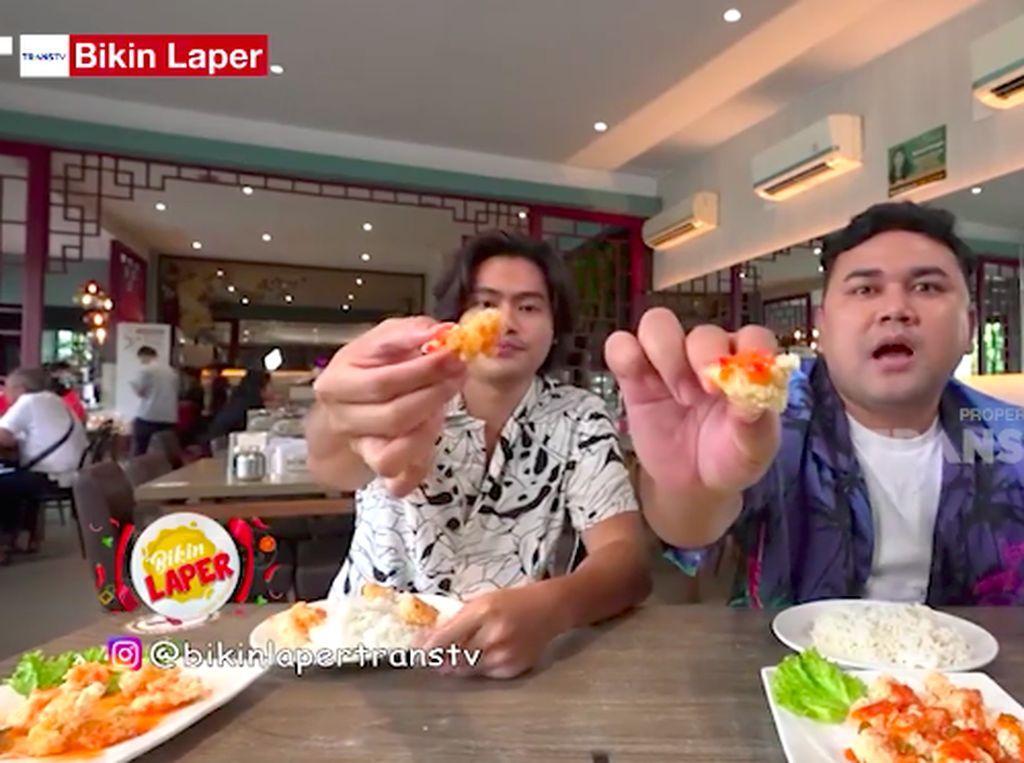 Bikin Laper! Ncess Nabati Nikmati Ayam Saus Lemon yang Asam Segar