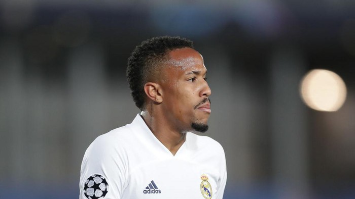 MADRID, SPAIN - APRIL 06: Eder Gabriel Militao of Real Madrid CF reacts during the UEFA Champions League Quarter Final match between Real Madrid and Liverpool FC at Estadio Alfredo Di Stefano on April 06, 2021 in Madrid, Spain. Sporting stadiums around Spain remain under strict restrictions due to the Coronavirus Pandemic as Government social distancing laws prohibit fans inside venues resulting in games being played behind closed doors. (Photo by Gonzalo Arroyo Moreno/Getty Images)