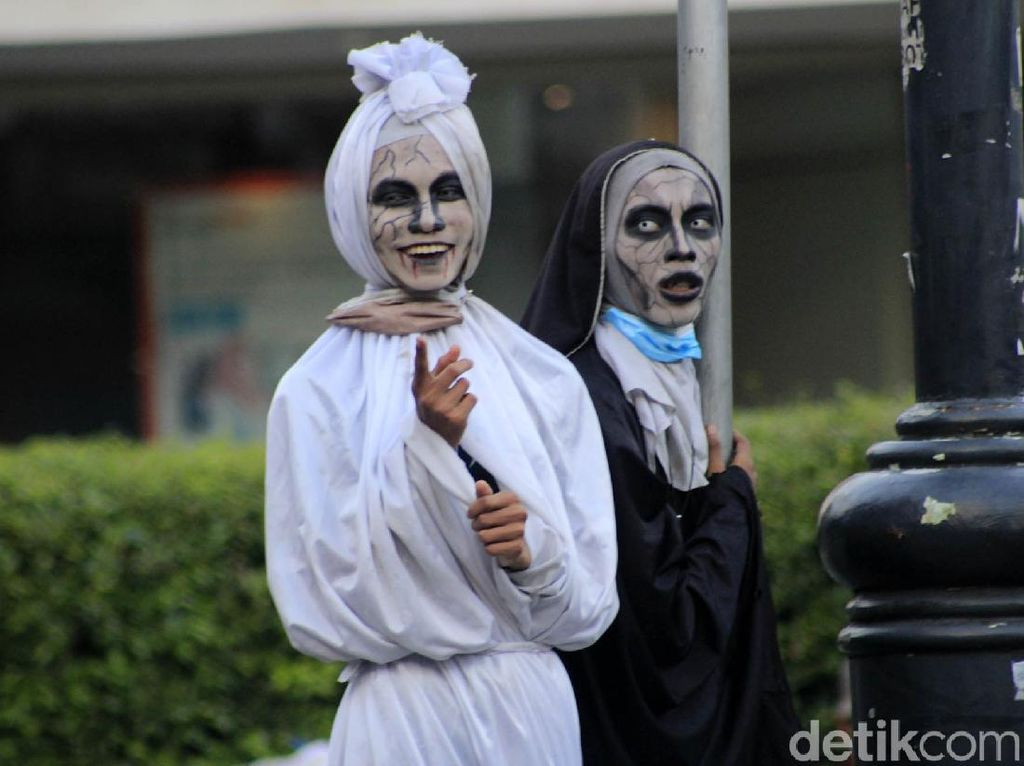 Hii...! PPKM Bandung Bikin Hantu Gentayangan di Dago