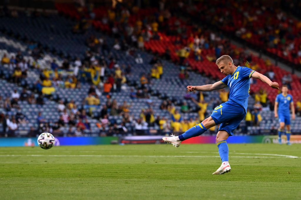 GLASGOW, SCOTLAND - JUNE 29: Oleksandr Zinchenko of Ukraine celebrates after scoring their side's first goal during the UEFA Euro 2020 Championship Round of 16 match between Sweden and Ukraine at Hampden Park on June 29, 2021 in Glasgow, Scotland. (Photo by Robert Perry - Pool/Getty Images)