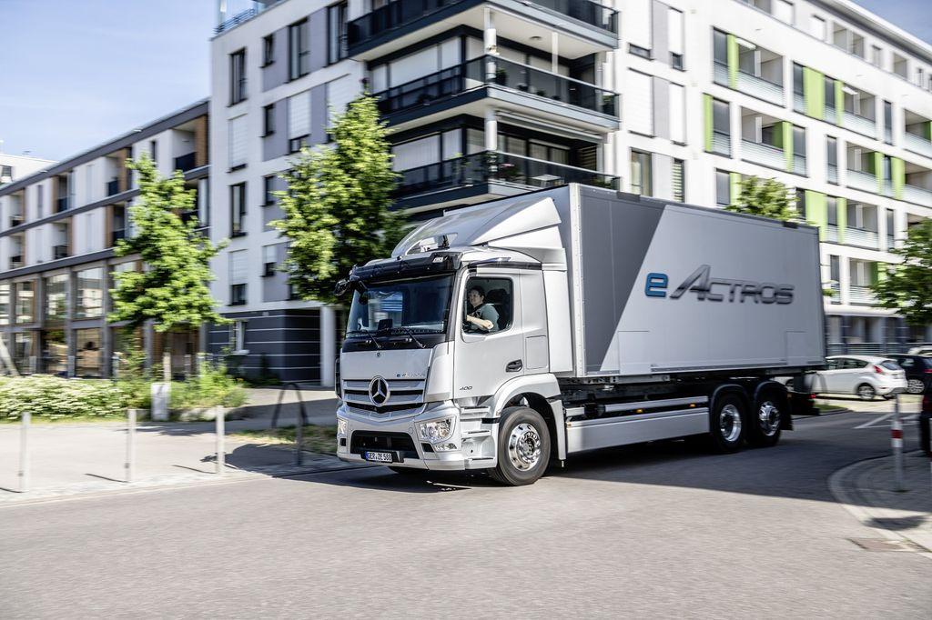 Truk listrik Mercedes-Benz eActros