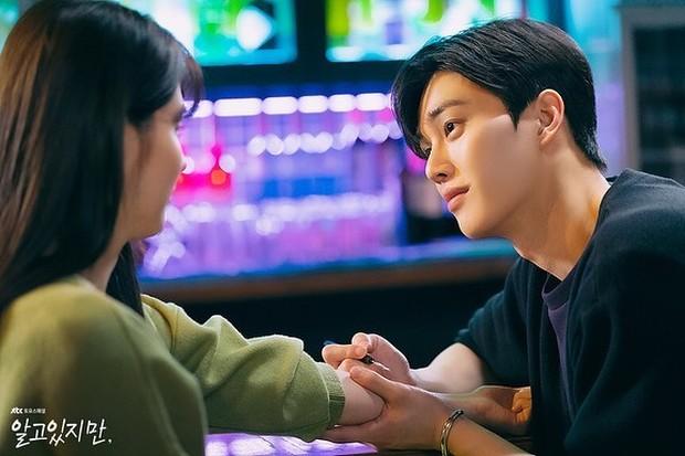 Beradu akting dengan Han So Hee, Song Kang dinilai sangat memikat dalam drama Nevertheless