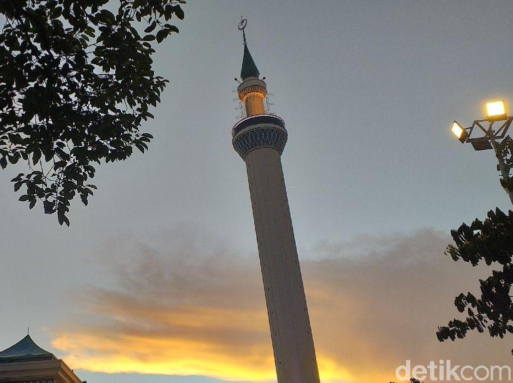 Azan Jadi Sorotan Media Asing, NU Jatim Singgung Penerapan Kaidah Fiqh
