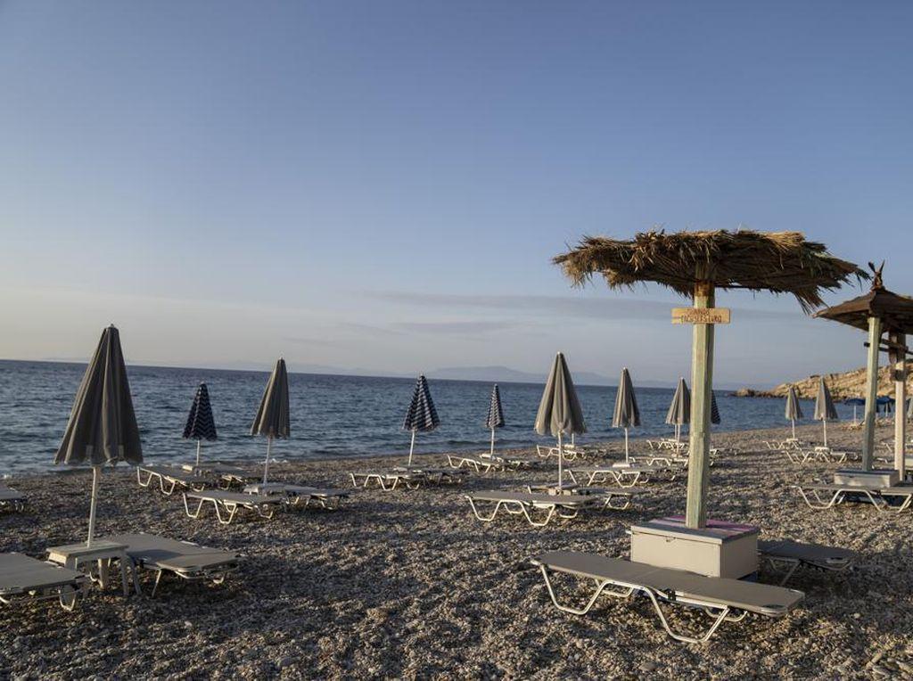 Berkaca ke Yunani, RI Enggak Usah Buru-buru  Undang Turis Asing deh