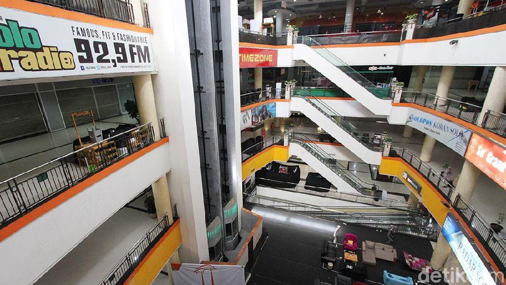 Adem Ayem Mall-mall di Solo