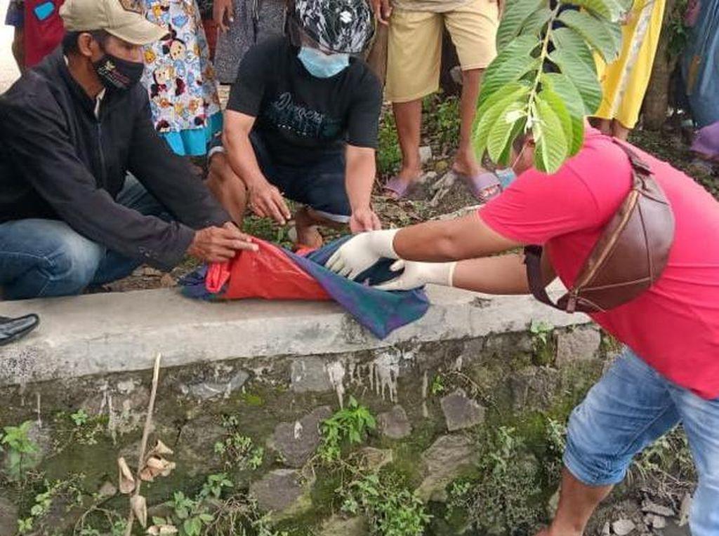 Asyik Bermain, Dua Bocah Temukan Mayat Bayi di Sungai Jombang