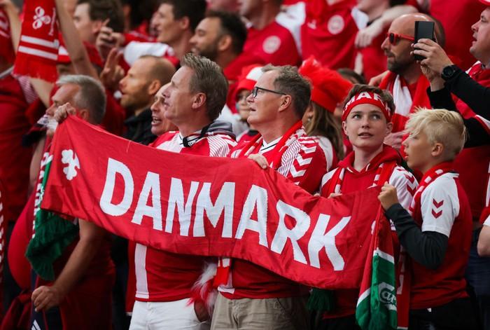 COPENHAGEN, DENMARK - JUNE 21: Denmark fans display a large scarf prior to the UEFA Euro 2020 Championship Group B match between Russia and Denmark at Parken Stadium on June 21, 2021 in Copenhagen, Denmark. (Photo by Friedemann Vogel - Pool/Getty Images)