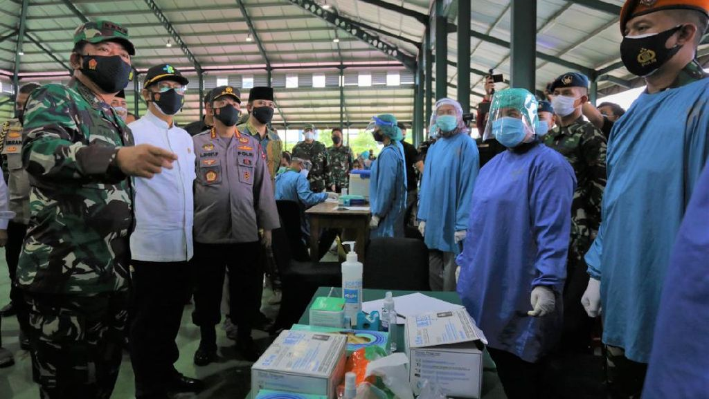 Panglima TNI bersama Menkes dan Kapolri Tinjau Vaksinasi Nasional